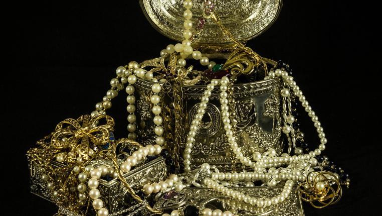 Сколько стоит сдать золото в ломбард?